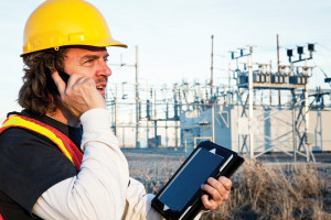 electrical_contractor_smatphone_technology_iStock_000019869926Large_0
